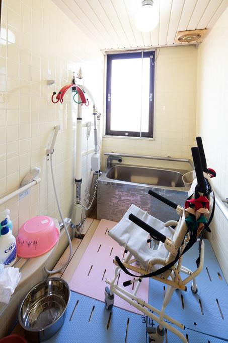 特殊入浴装置のついたお風呂